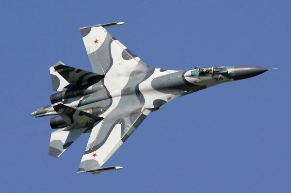 Sukhoi_Su-27SKM_at_MAKS-2005_airshow