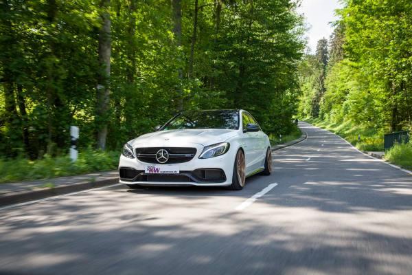 low_KW_V3_Mercedes-Benz_C63AMG_Fahraufnahme05