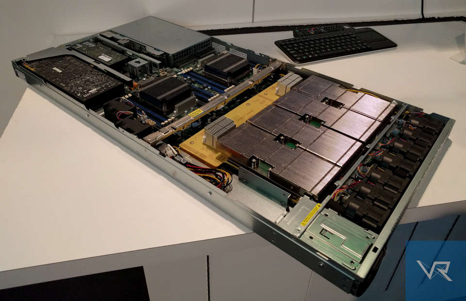 New 1U server by Supermicro delivers up to five GPUs.