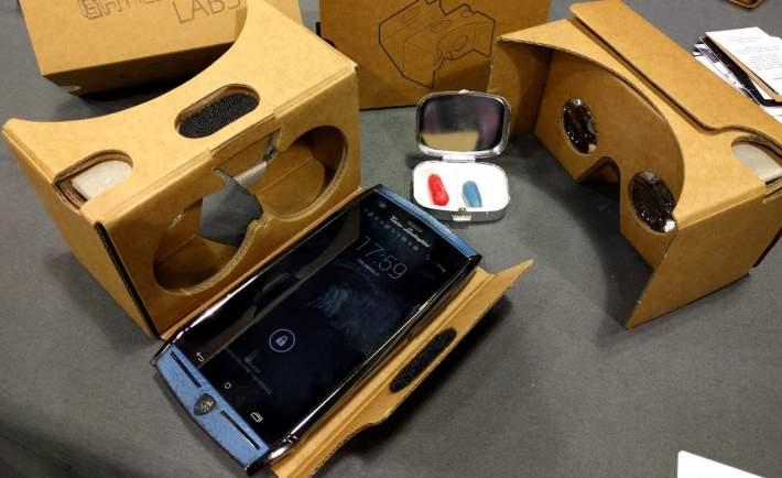 Google Cardboard and Lamborghini TL88 smartphone