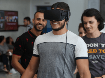 Honoris to introduce AR and VR for learning - Students try VR for learning 1