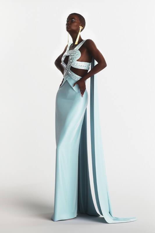 digitalization-fashion-industry-blue-dress