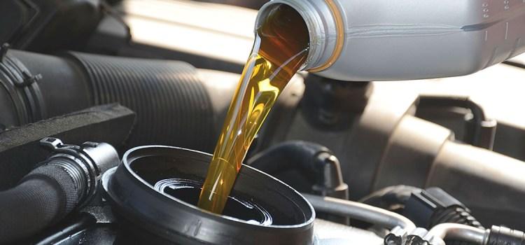 Какое моторное масло лучше: минеральное или синтетическое. В чем разница