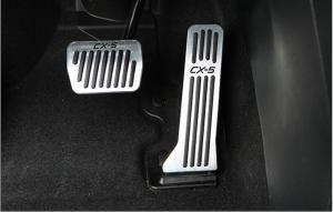 В чем разница между напольными и подвесными педалями газа?