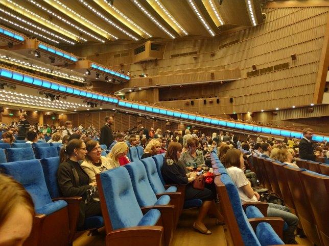 v foje 6 1024x768 - Отчёт о Спектакле-концерте в Кремле 25.04.2019
