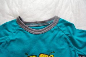 горловина детской футболки