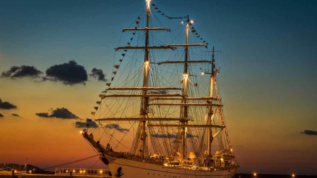Нова година, посрещната на кораб