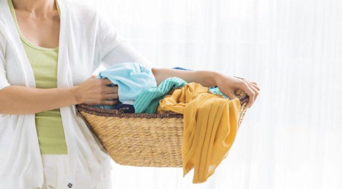Как можно разгладить одежду без утюга