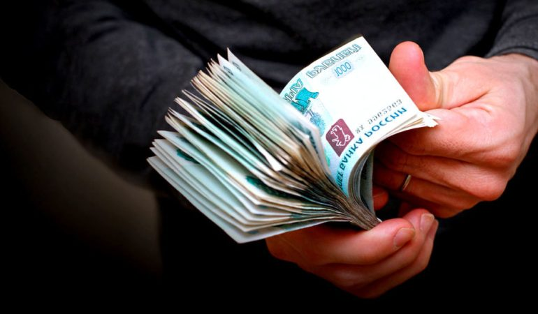 Долг до 100 тыс. руб. теперь можно требовать через работодателя должника