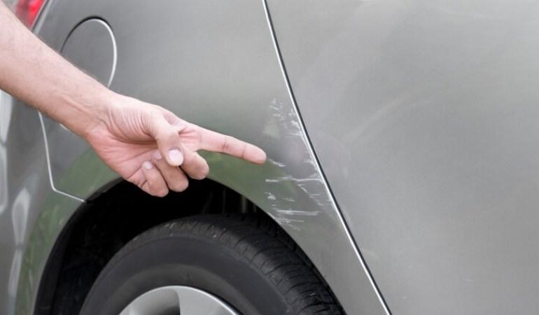 Как самостоятельно убрать мелкие царапины на автомобиле
