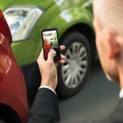 Автомобилисты смогут оформлять ДТП через приложение