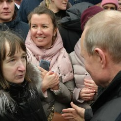 Ответ Путина на вопрос пенсионерки о жизни на 10800 руб