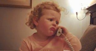 VIDEO: Toto vás dostane! Malá herečka dokonale zahrala telefonát s babkou