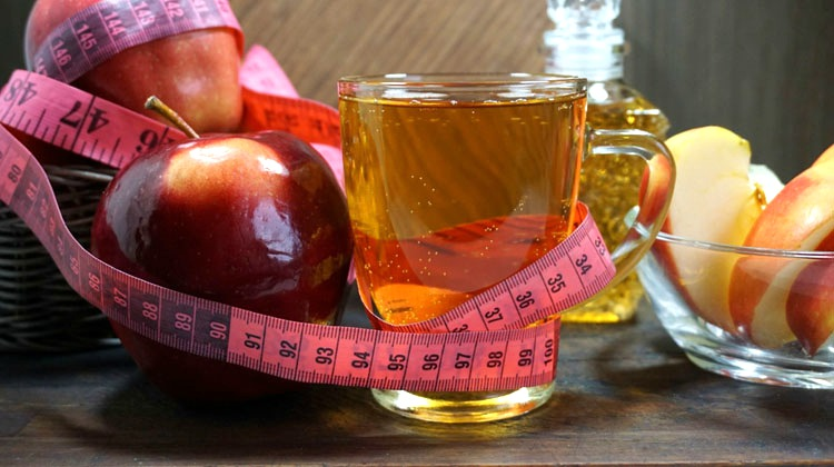Feature | Promoting Weight Loss With Apple Cider Vinegar | drink apple cider vinegar