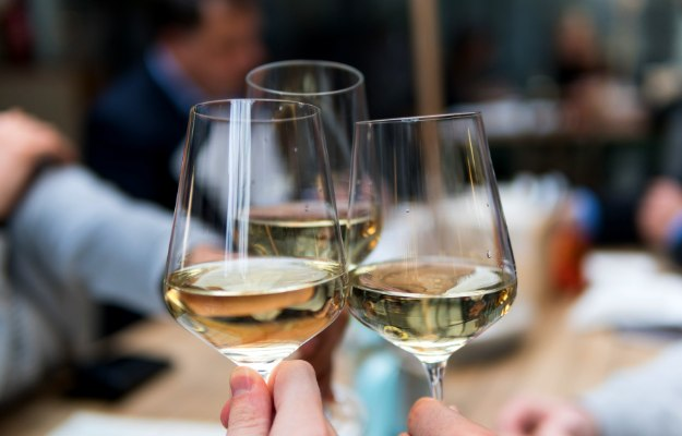 White Wine | How To Size Out Your Thanksgiving Calories