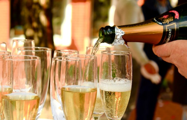 Champagne | How To Size Out Your Thanksgiving Calories