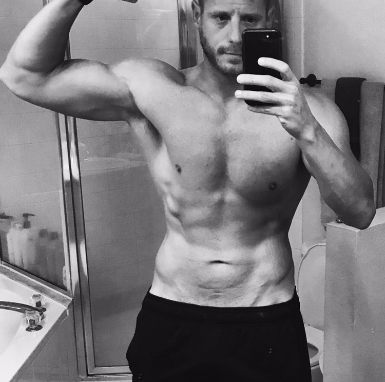 Dylan's V Shred Clean Bulk weight-loss transformation and muscle gain After photo