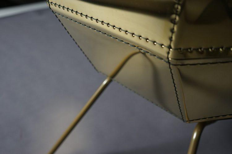 Färg & Blanche. Metal stitching. V Söderqvist Blog.