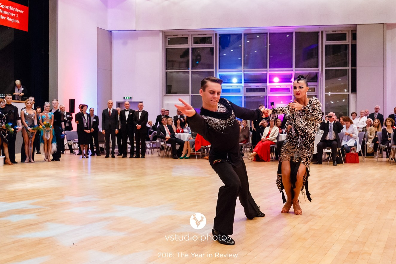 September 25, 2016 - Wetzlar, Germany. WDSF World Championship Under 21 Ten Dance in Stadthallen Wetzlar, Wetzlar. (Credit Image; vstudio.photos)