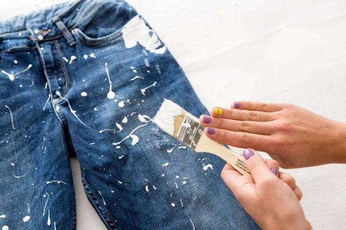 塗料から汚れを除去する方法