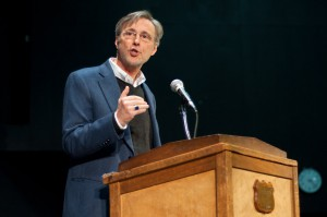 Thom Hartmann sharing some history of corporations. Photo by Josh Larkin.