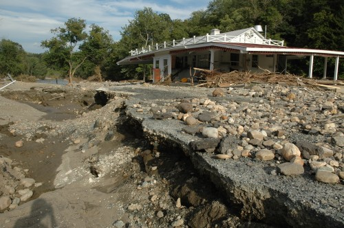 The Ottauquechee River left The Cottage snack bar on Rt. 4 in West Woodstock badly damaged and inaccesible. VTD/Andrew Nemethy
