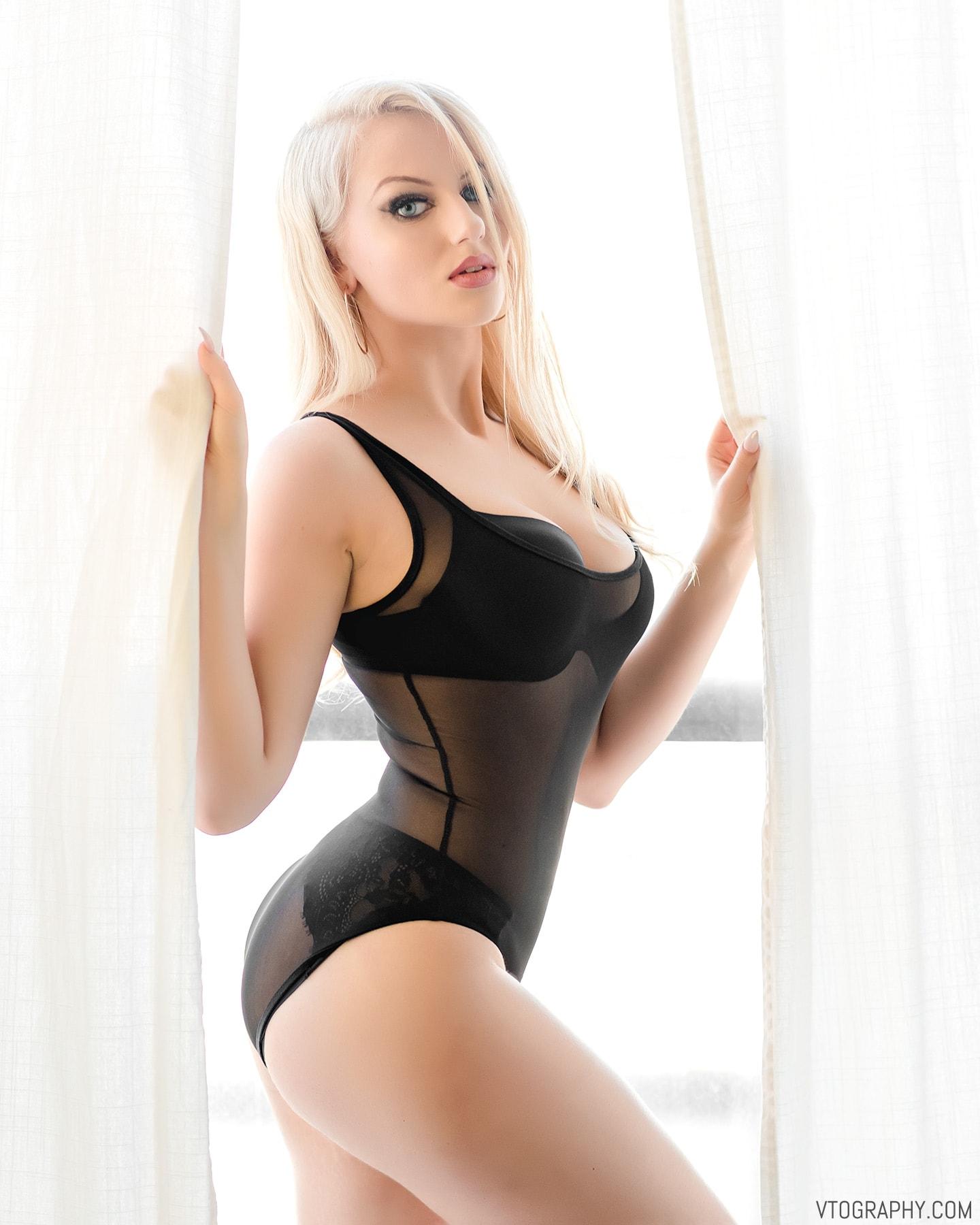 Valerie Muren lingerie photo shoot