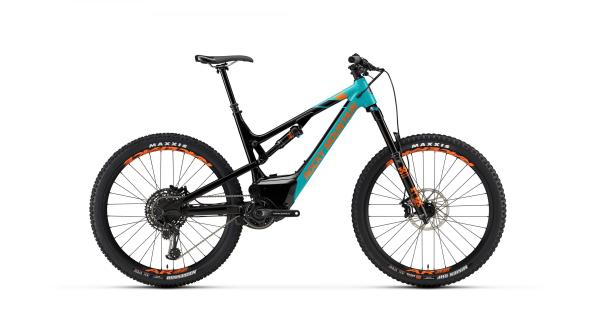 Rocky Mountain Altitude Powerplay Alloy 70 - 5999€, suspensions Fox, Transmission Sram GX Eagle 12v, freins Sram Guide RE.
