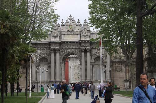 cung điện dolmabahce tại istanbul