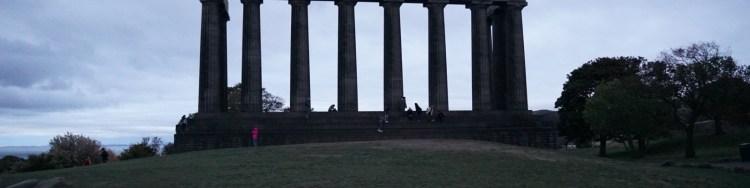 Edimburgo-vuelta-al-mundo-en-moto-vicente-y-fernanda-04