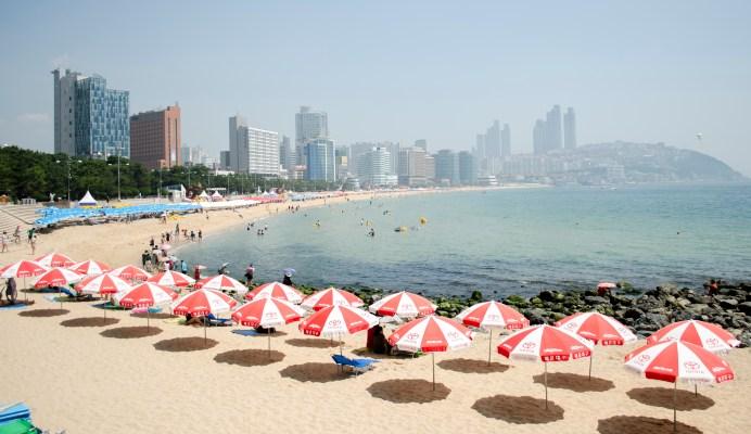 Haeundae_Beach_in_Busan