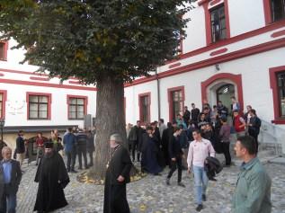 Ispred Bogoslovije u Prizrenu