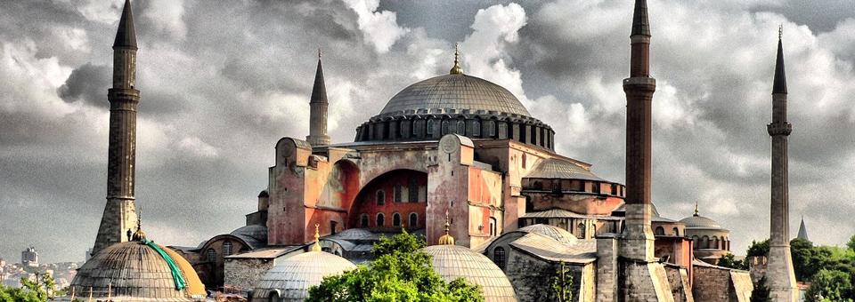 Ayasofya, Hristiyanlığın İslâmiyete devir ve tesliminin bir âbidesidir