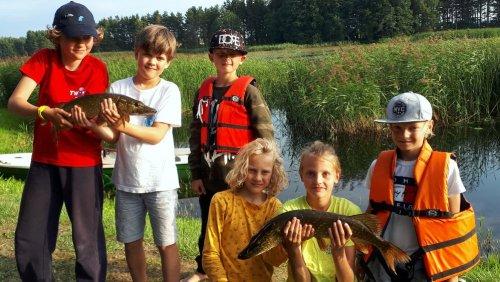 """Žūkles stovykla """"Svajonių Žuvis"""". Svajonių Žuvis – stovyklos registracija 2021 prasidėjo"""