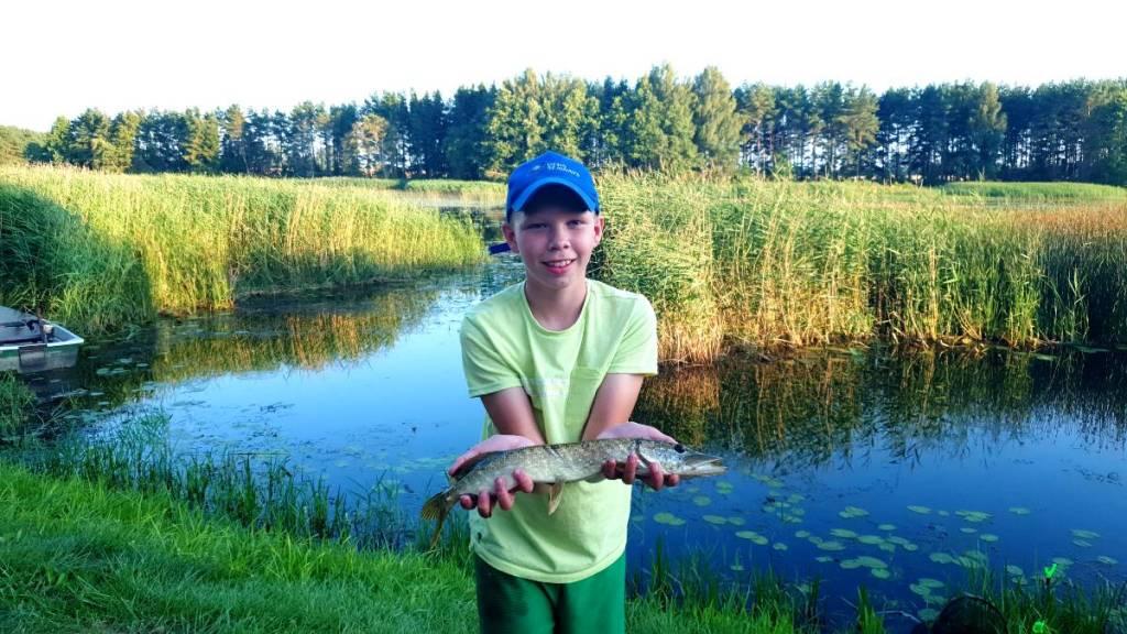 """Vaikų žvejybos stovyklos """"Svajonių Žuvis"""" akimirkos 2021"""