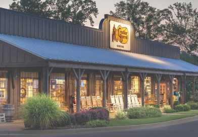 For the First Time in its 51-Year History, Cracker Barrel Will Now Serve Alcohol in Restaurants