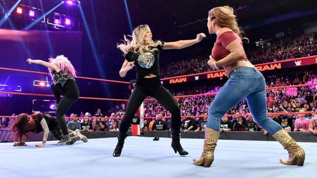 Trsih Stratus, Mickie James, Lita and Alexa Bliss brawl