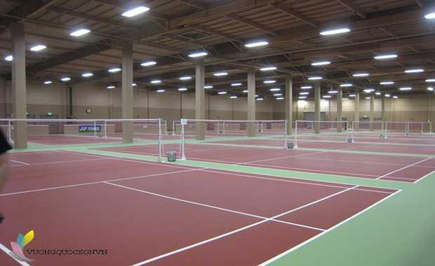 Bảng báo giá thi công thiết bị chiếu sáng sân Tennis