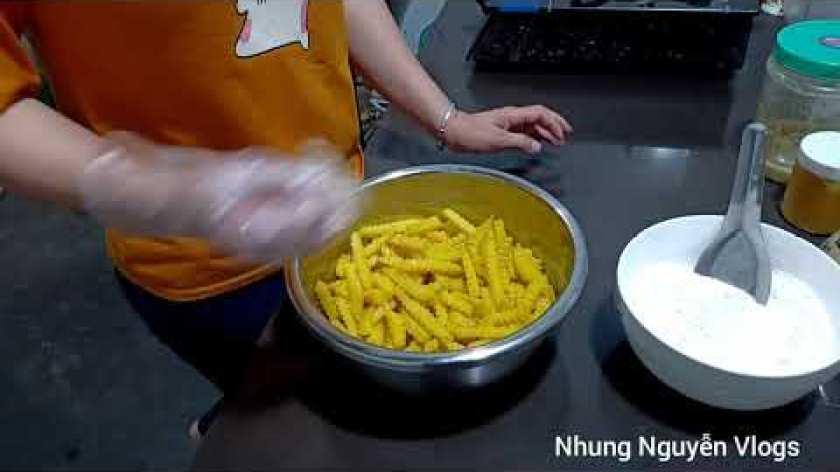 cách nấu khoai lang mật - Khoai lang mật chiên giòn thơm ngon ngất ngây | Nhung Nguyễn Vlogs