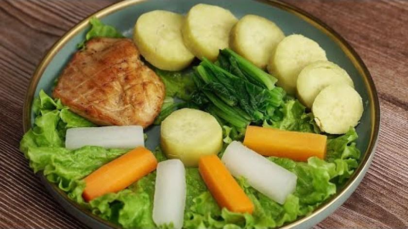 hướng dẫn luộc khoai lang - Thực đơn EAT CLEAN - KHOAI LANG LUỘC, RAU CỦ LUỘC, ỨC GÀ NƯỚNG dành cho người giảm cân.