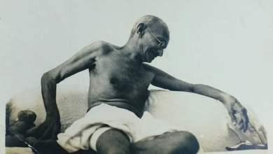 Photo of गांधी आज भी जनतंत्र और मानवाधिकार की मुकम्मल आवाज हैं