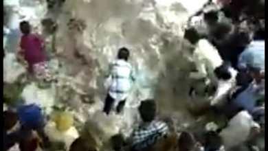 Photo of अन्नकूट लूटने की अनोखी परंपरा है श्रीनाथ जी मंदिर में