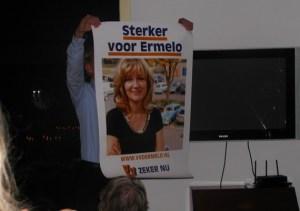 Campagneleider Frank Meijsen onthult de verkiezingsposter
