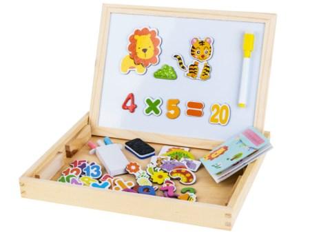 Lesena-škatla-z-magnetno-tablico-za-risanje4