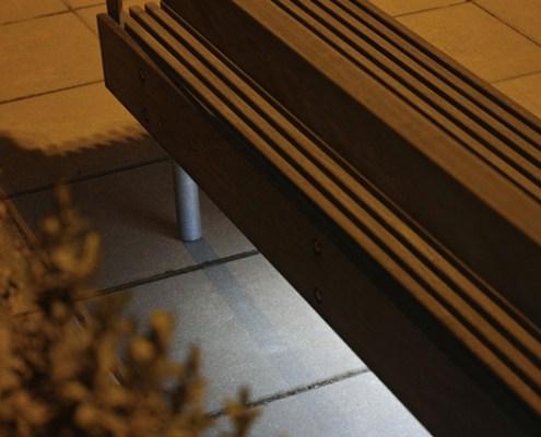 VVS-straatmeubilair-zitbank-woody-4