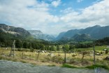 Glacier valleys and a multitude of colours - driving long distances as we did is a breeze with the scenery like this!