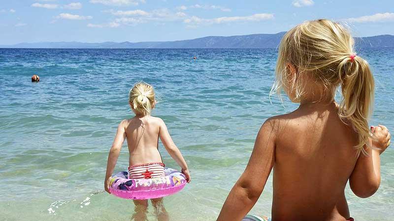 Дети на пляже. Пляжный дресс-код для социальных сетей?