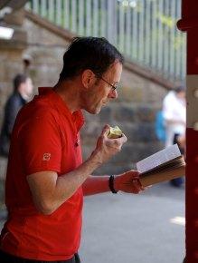 reading, apple