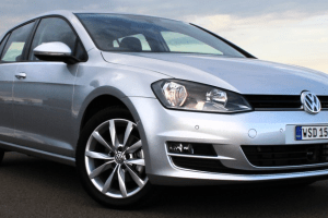 2013 Volkswagen Golf Review