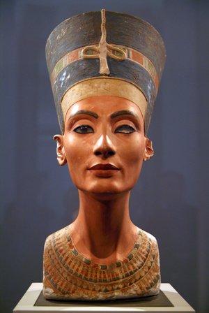 ネフェルティティ 古代エジプトの王妃